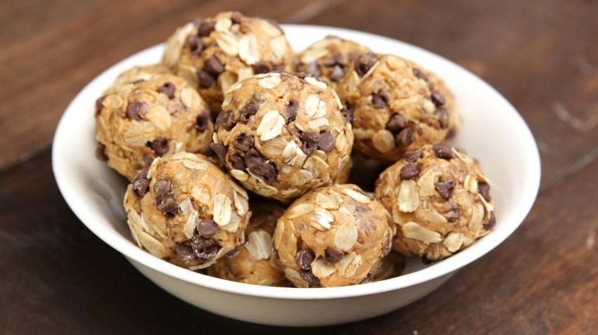 Peanut Butter Energy Bits- healthy meal prep recipes. ohlade.com