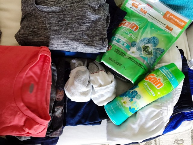 Keeping Laundry Smells at Bay with Gain Fresh Water Sparkle