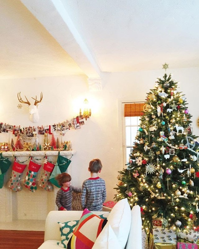 Family Holiday Activities and Traditions; Advent Calendar Ideas | ohlovelyday.com