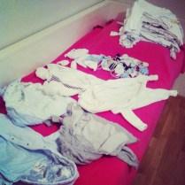 První várka prádla - oblečky do 3 měsíců...