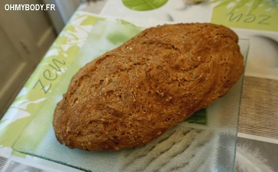 Une miche de pain farine intégrale