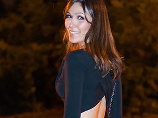 Vem ver esse look noite da Mônica Araújo com saia de Franjas