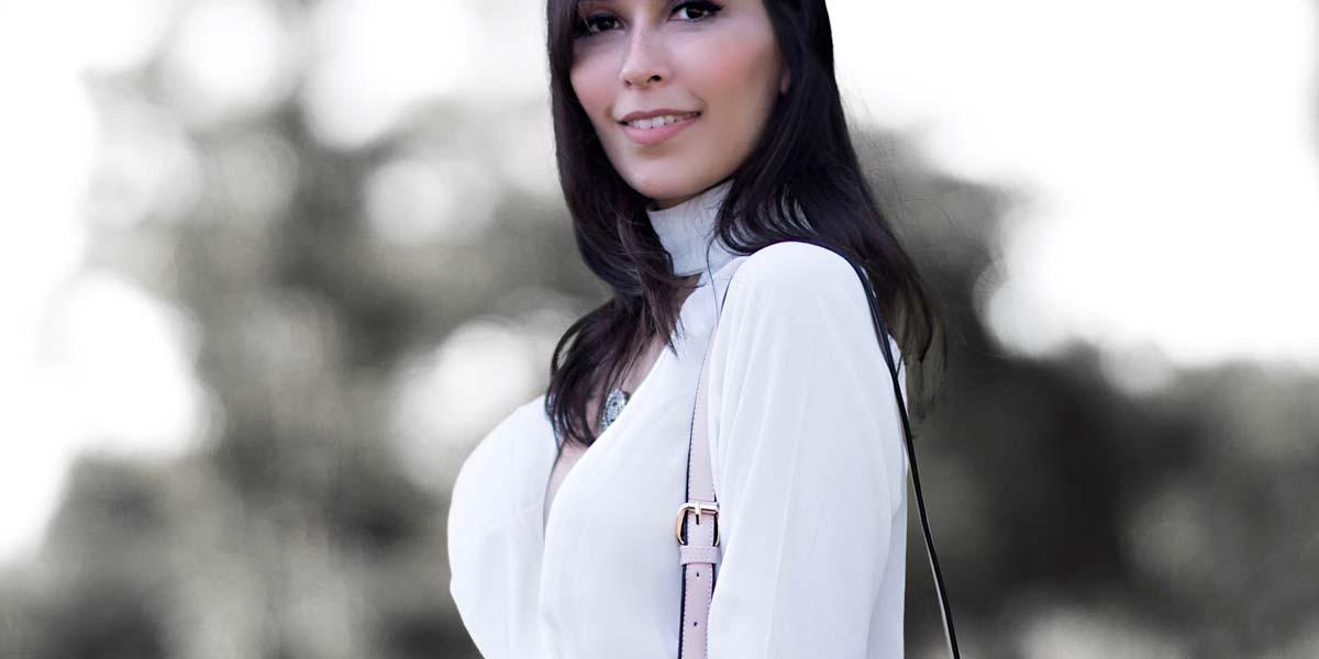 Mônica Araújo para Amaro.