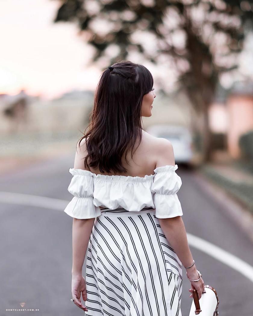 Look para o verão com roupas baratas.