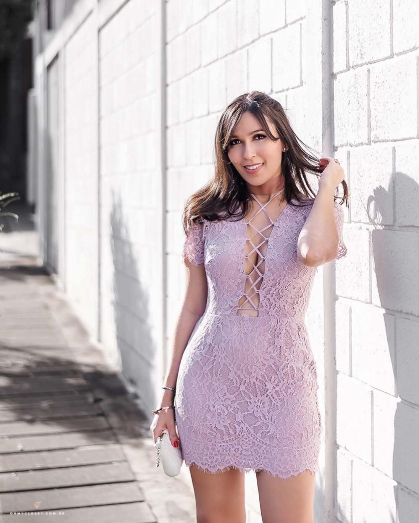 Vestido de renda da Shop Tobi Los Angeles.