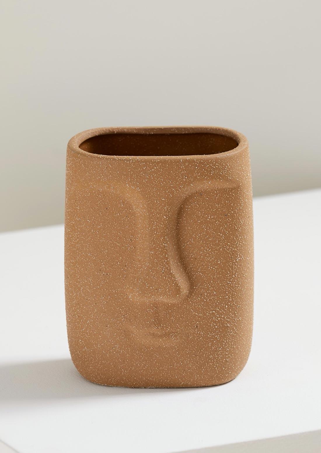 Cachepot caneca totem em porcelana Amaro casa