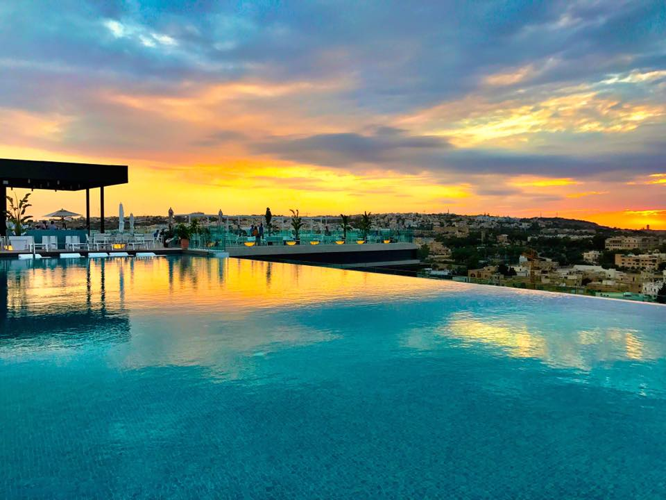 Read more about the article The Most Spectacular Infinity Pools in Malta