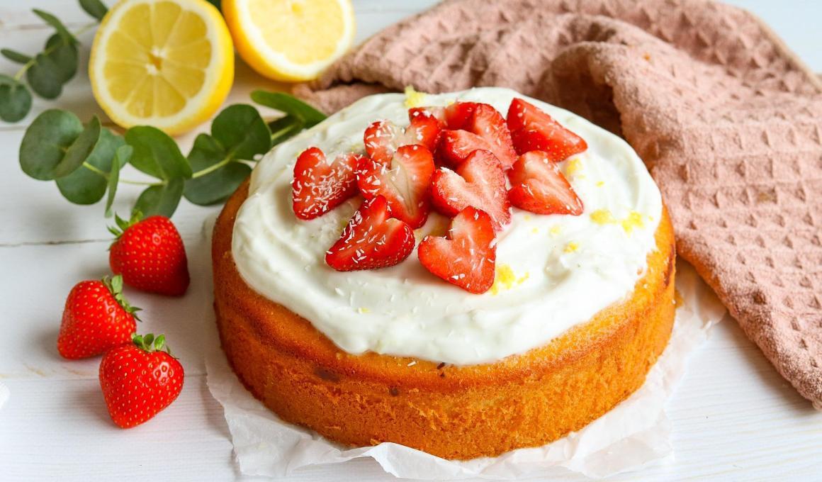 Frisse citroen yoghurt cake, glutenvrij en koolhydraatarm