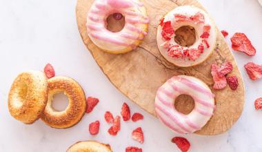 Koolhydraatarme donuts met frambozen