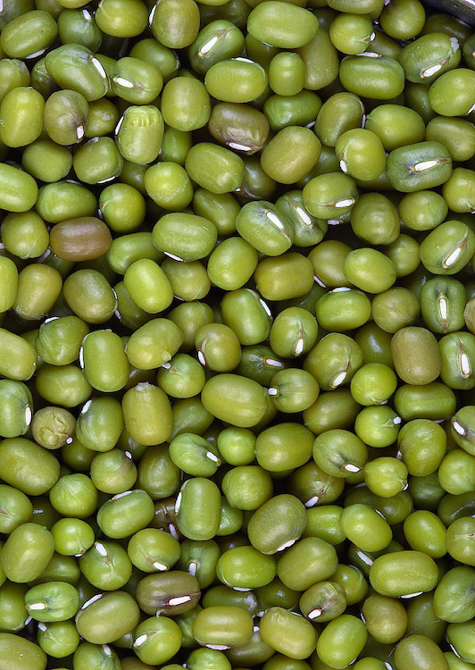 Close up photo of whole moong / mung beans