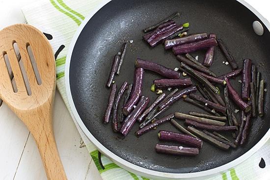 Chili Garlic Long Beans