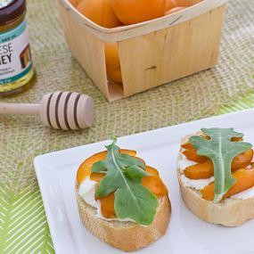 Apricot Crostini Recipe