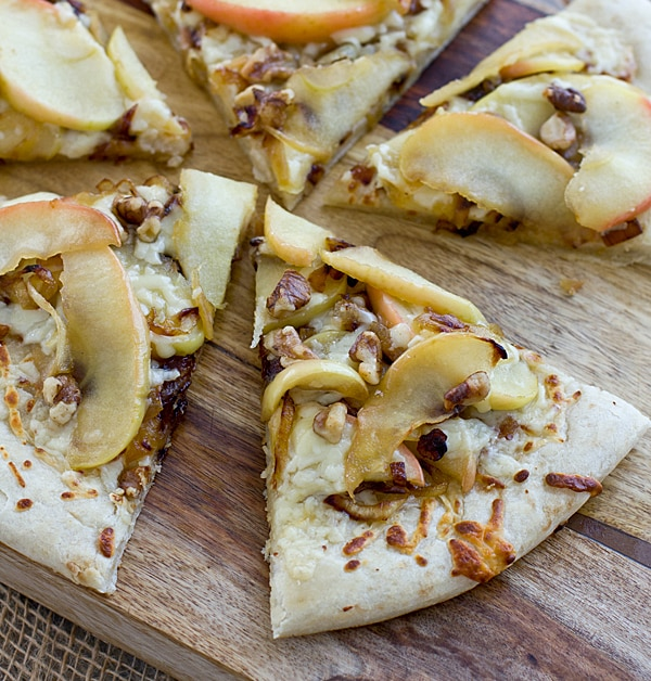 Apple Cheddar Pizza