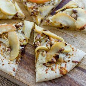 Apple Cheddar Pizza Recipe