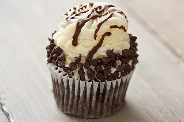 Chocolate Chip Cheesecake Cupcake