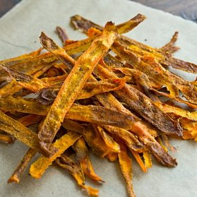 Curried Baked Carrot Chips Recipe