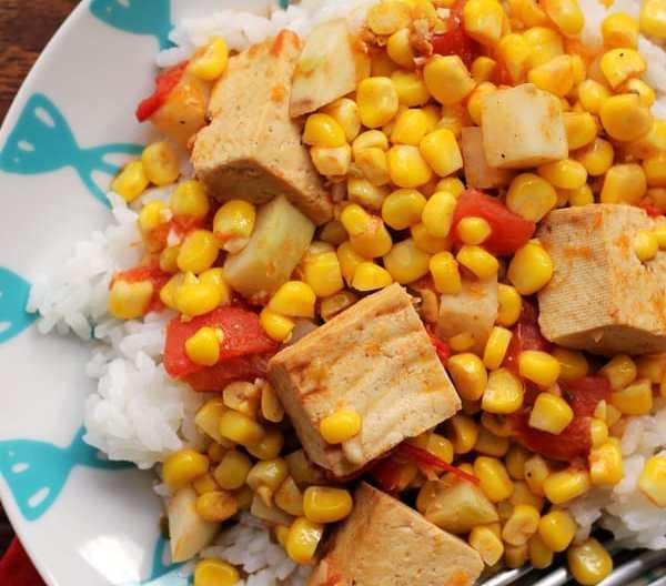 spicy curried kohlrabi, corn, and tofu stir fry