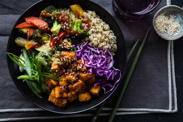 Korean barbecue tofu bowls a vegan recipe from ohmyveggies korean barbecue tofu bowls with stir fried veggies quinoa forumfinder Gallery