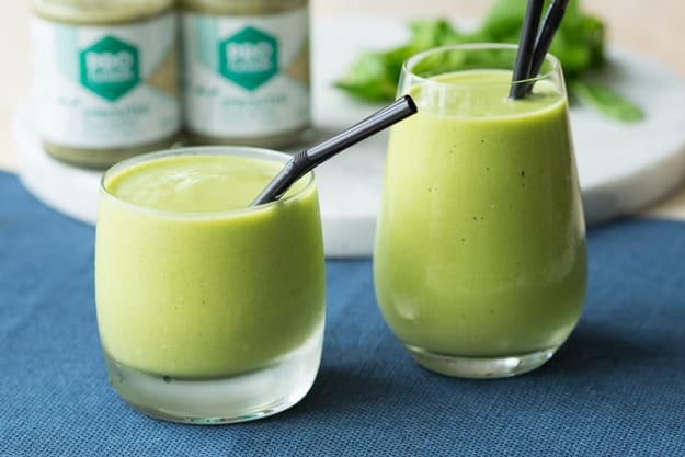 20 Healthy Green Smoothie Recipes: Green Smoothie with Hemp Butter