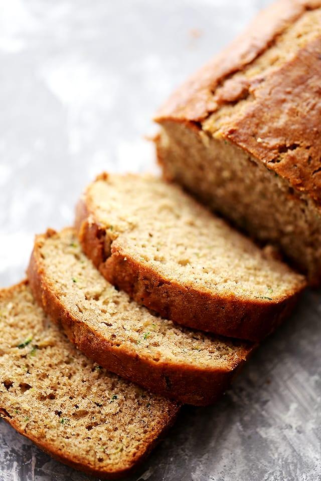 18 Zucchini Bread Recipes Everyone Will Love: Healthy Apple and Zucchini Bread