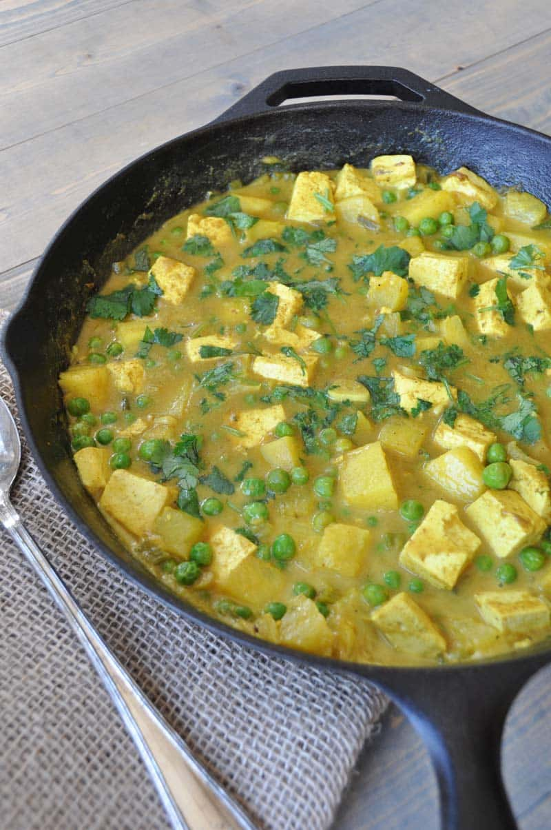 26 Creative and Delicious Turmeric Recipes: Simply Curry Tofu and Pineapple