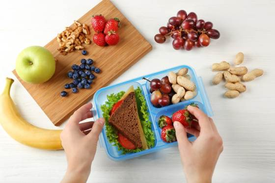 10 Healthy Swaps to Make for Packed Lunches