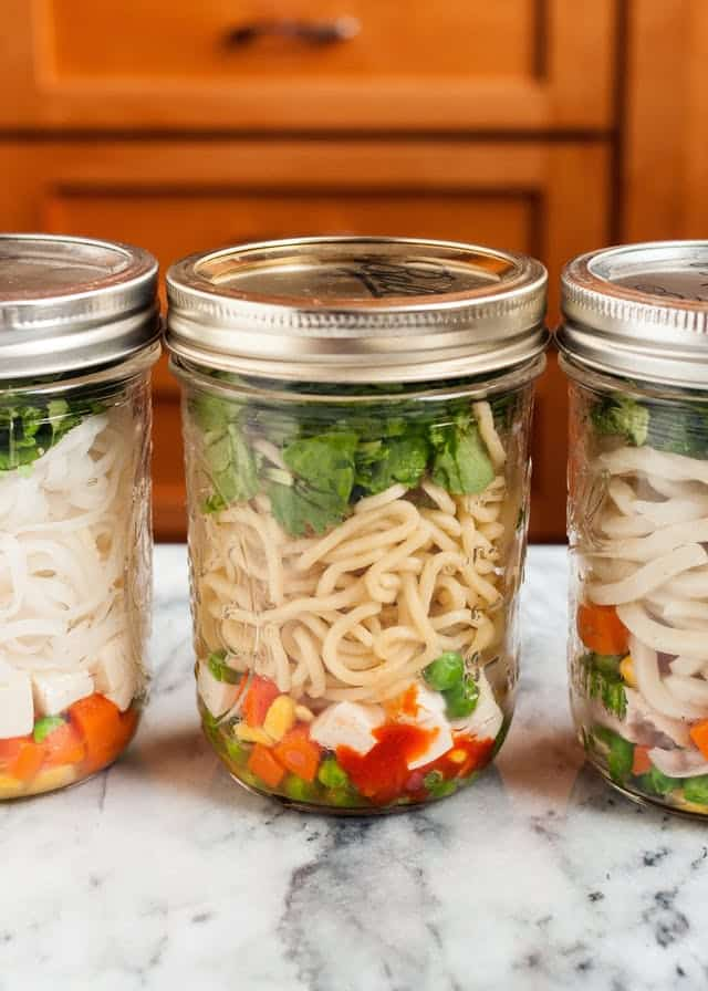 25 Vegetarian Mason Jar Meals to Help You Win at Lunch: Almost Instant Noodle Soup
