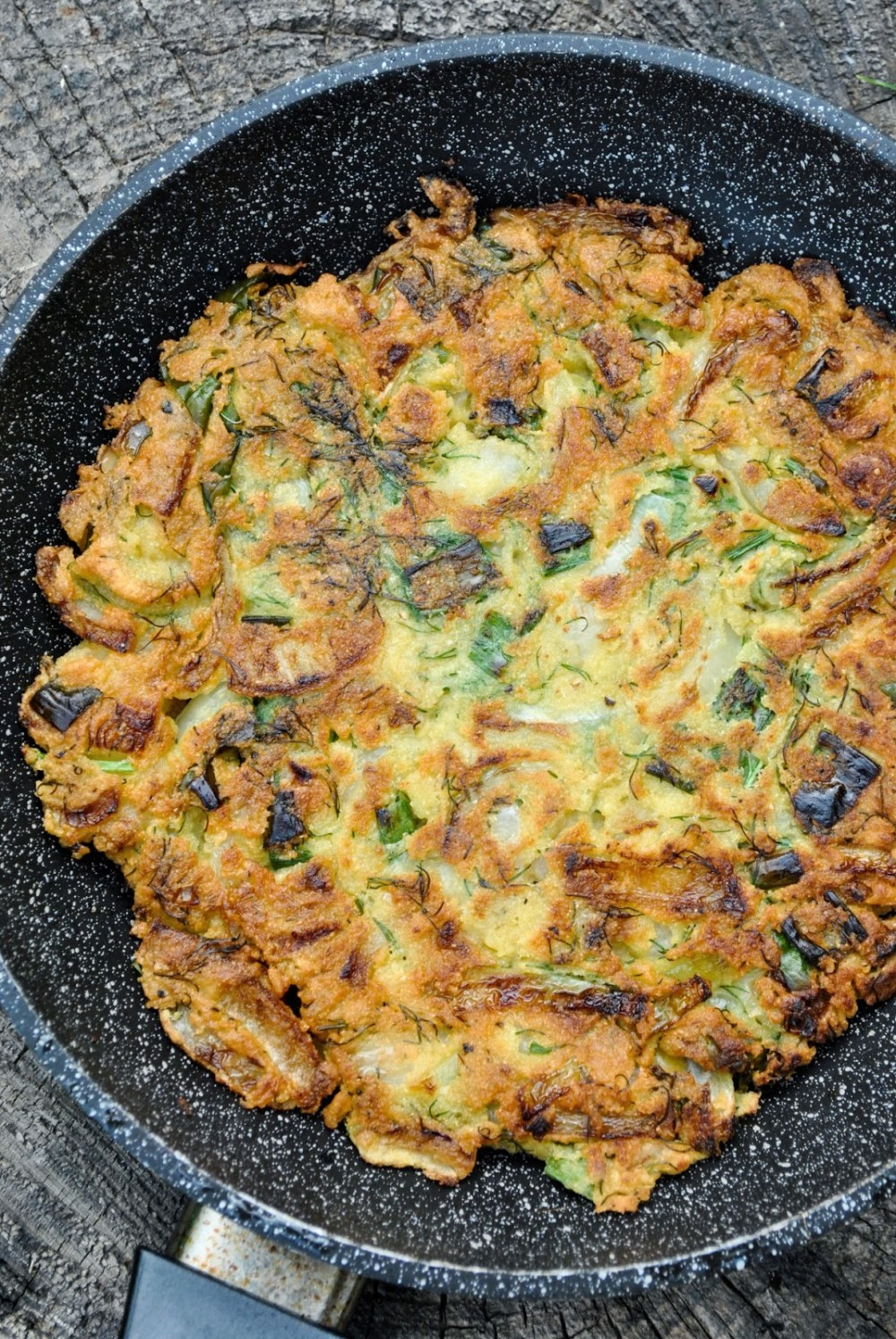 49 Savory Vegan Breakfast Recipes: Chickpea and Onion Omelette