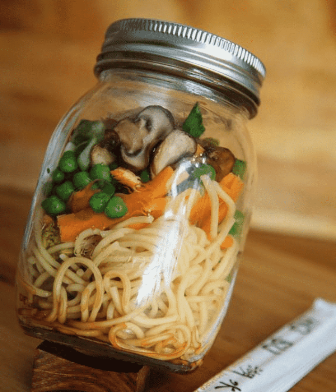 25 Vegetarian Mason Jar Meals to Help You Win at Lunch: Homemade Instant Noodles