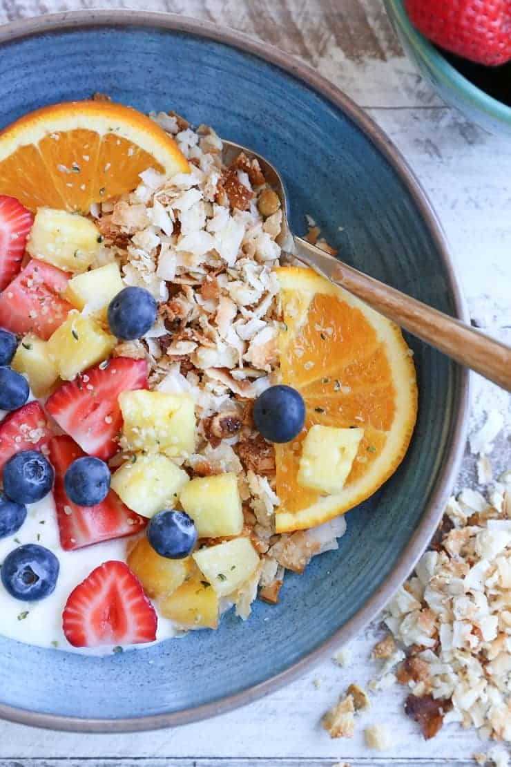 18 Irresistible Recipes for Homemade Granola: Coconut Lovers Paleo Granola