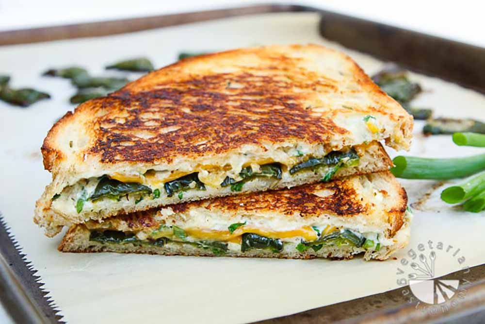 21 Mind-Blowing Grilled Cheese Sandwich Recipes: Jalapeno Popper Grilled Cheese