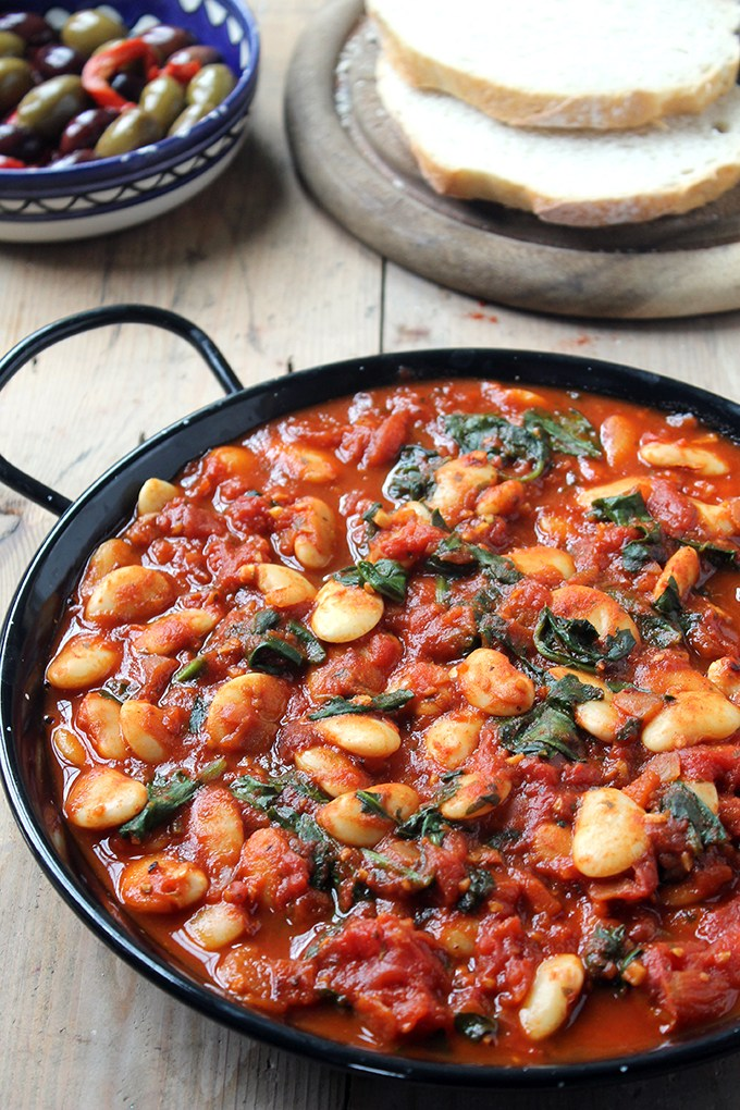 16 Spices You Haven't Tried But Definitely Should: Spanish White Beans