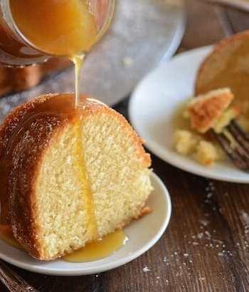 15 Crave-Worthy Pound Cake Recipes: Almond Amaretto Pound Cake
