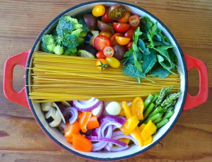 18 Vegetarian One-Pot Pasta Recipes for Busy Weeknights: One-Pot Farmer's Market Pasta