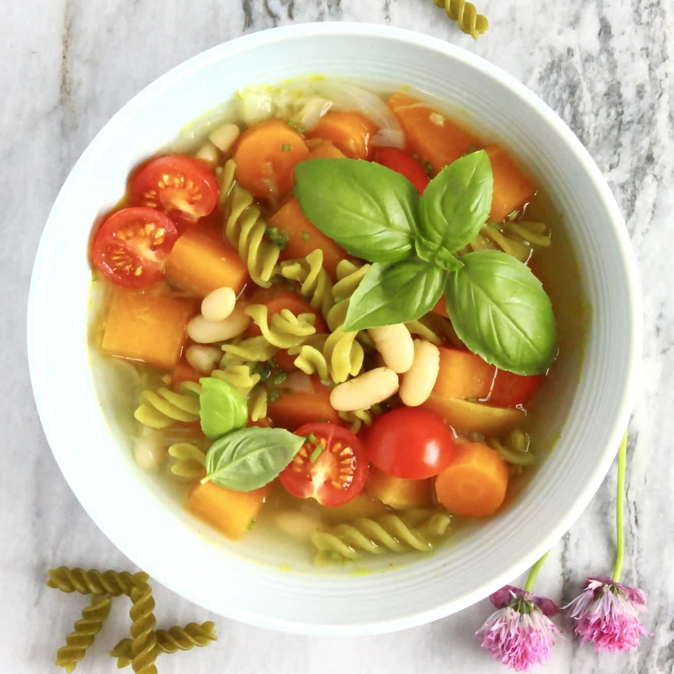 18 Vegetarian One-Pot Pasta Recipes for Busy Weeknights: Vegan Pea Pasta Minestrone Soup