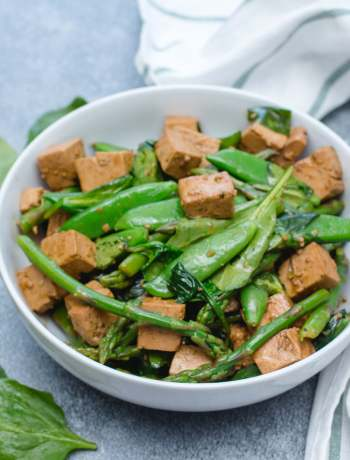 Green Vegetables and Tofu Stir-fry
