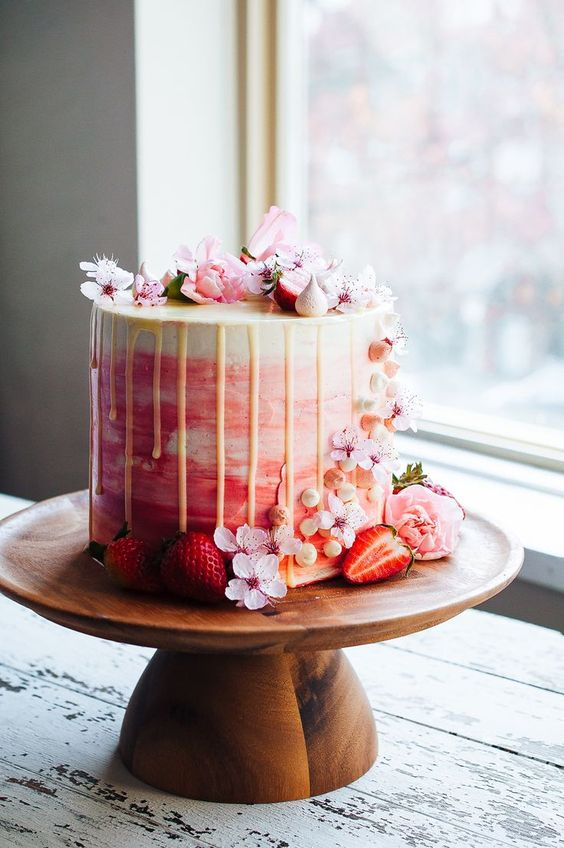 Drip Wedding Cakes for Your Reception  Oh My Veilall