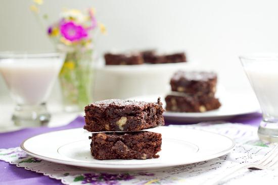 IMG 7714   Gluten Free, Vegan, and Oil Free Walnut Chip Brownies