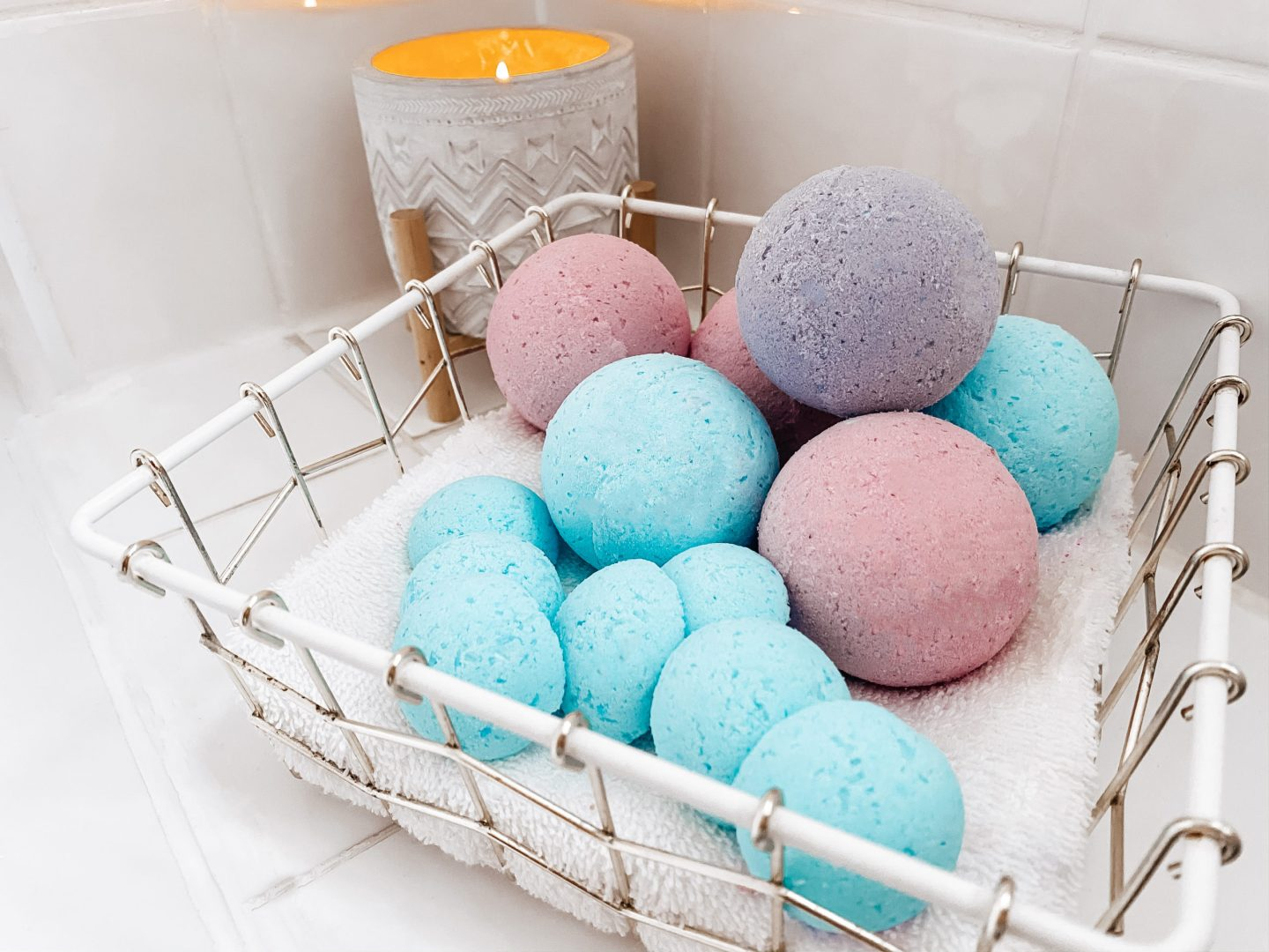 DIY CHILD SAFE BATH BOMBS