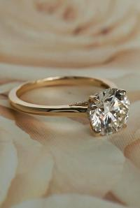 30 Simple Engagement Rings For Girls Who Love Classic | Oh ...