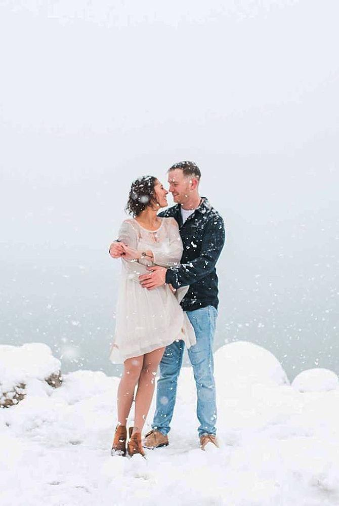 24 Winter Engagement Photos That Will Warm Your Heart Oh