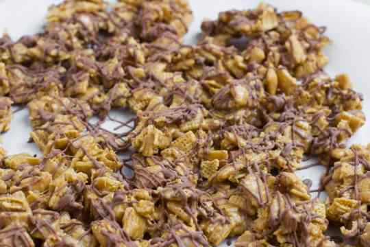 scotcheroos chex mix ohsweetbasil_edited-1