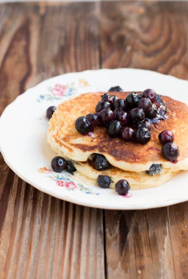 white chocolate blueberry pancakes ohsweetbasil.com