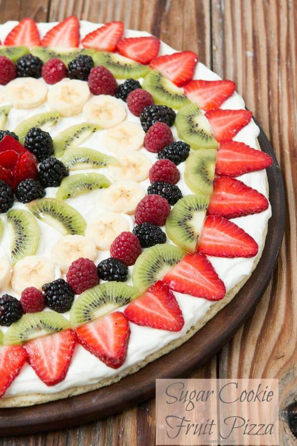 Fruit-pizza-with-sugar-cookie-crust-on-ohsweetbasil