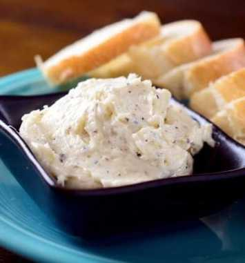 whipped-garlic-and-cracked-pepper-butter