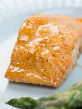 """Apricots? And salmon? Yes, my friends, you heard right. This recipe for SimpleApricot Lemon Salmon is super easy and quick to make, and it's """"mmm"""" out loud delicious! ohsweetbasil.com"""