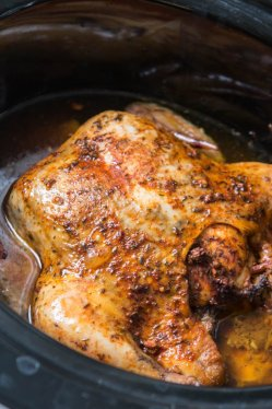 This is the easiest way to enjoy a juicy, rotisserie like chicken by only using a crockpot. Slow cooker whole chicken that anyone can make! insta pot, pressure cooker