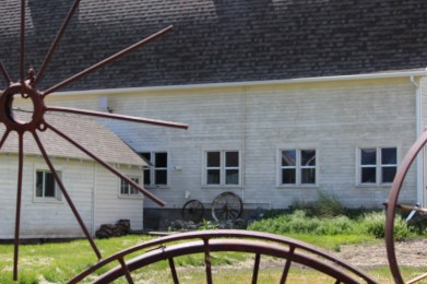 Dahmen Barn -- side view