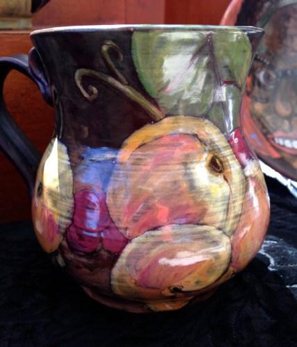 Mug with fruit design