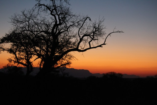 Beautiful South African sunset - ah, the great outdoors!